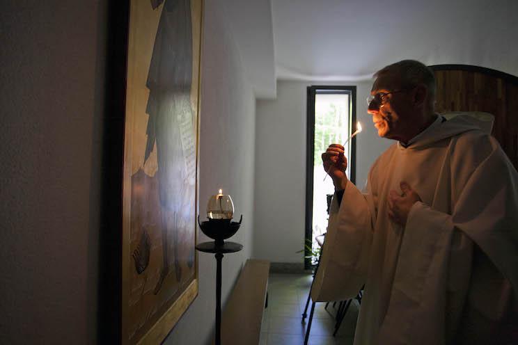 Staii navigando nell'articolo: Video e immagini del monastero